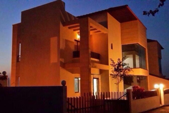 dreams-land-Super Deluxe Villa in secured in Rmeileh